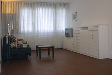 Wohnzimmer mit Stereo und TV/ living room with stereo equipment and TV-set!